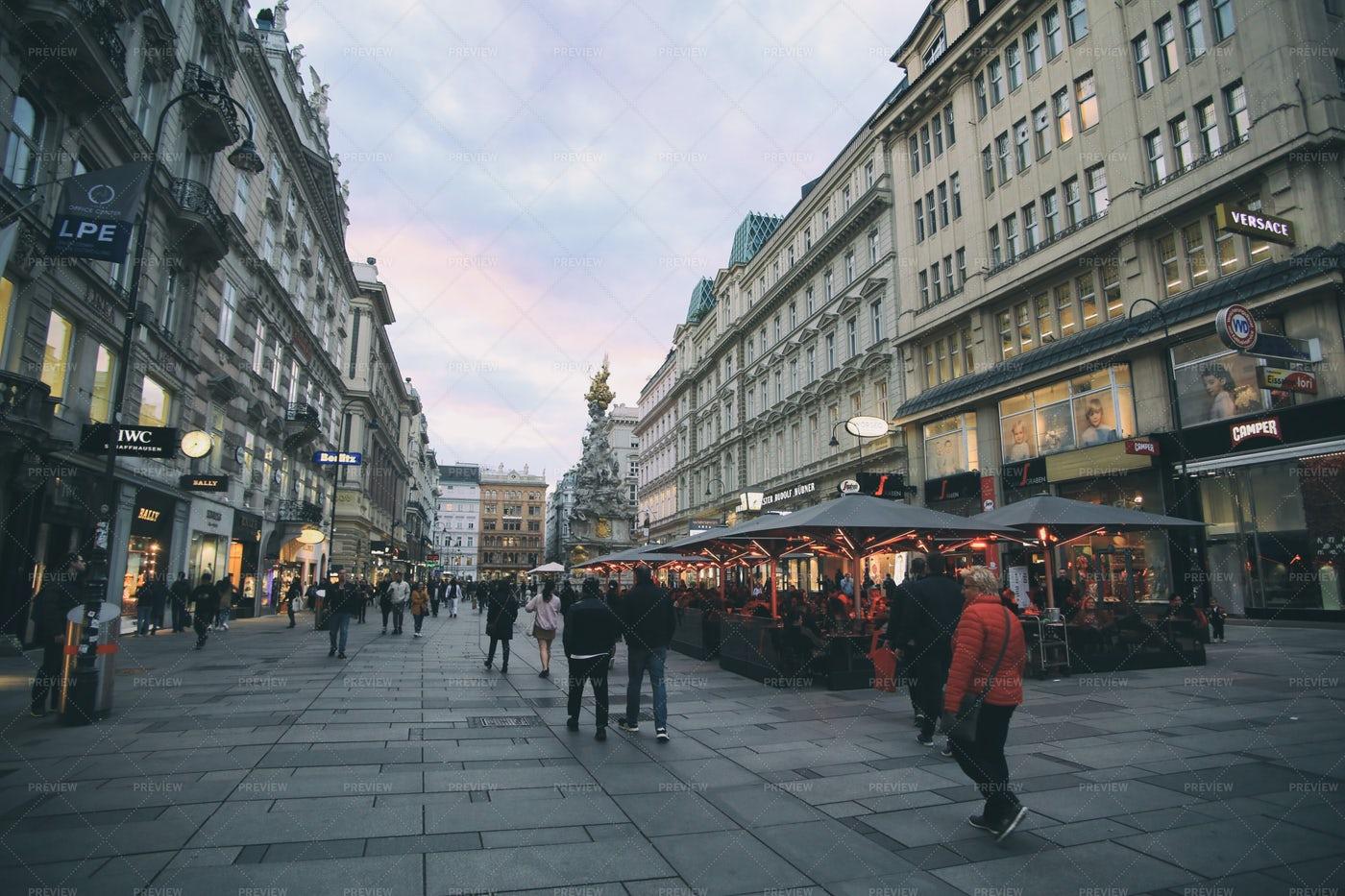 People In Vienna: Stock Photos