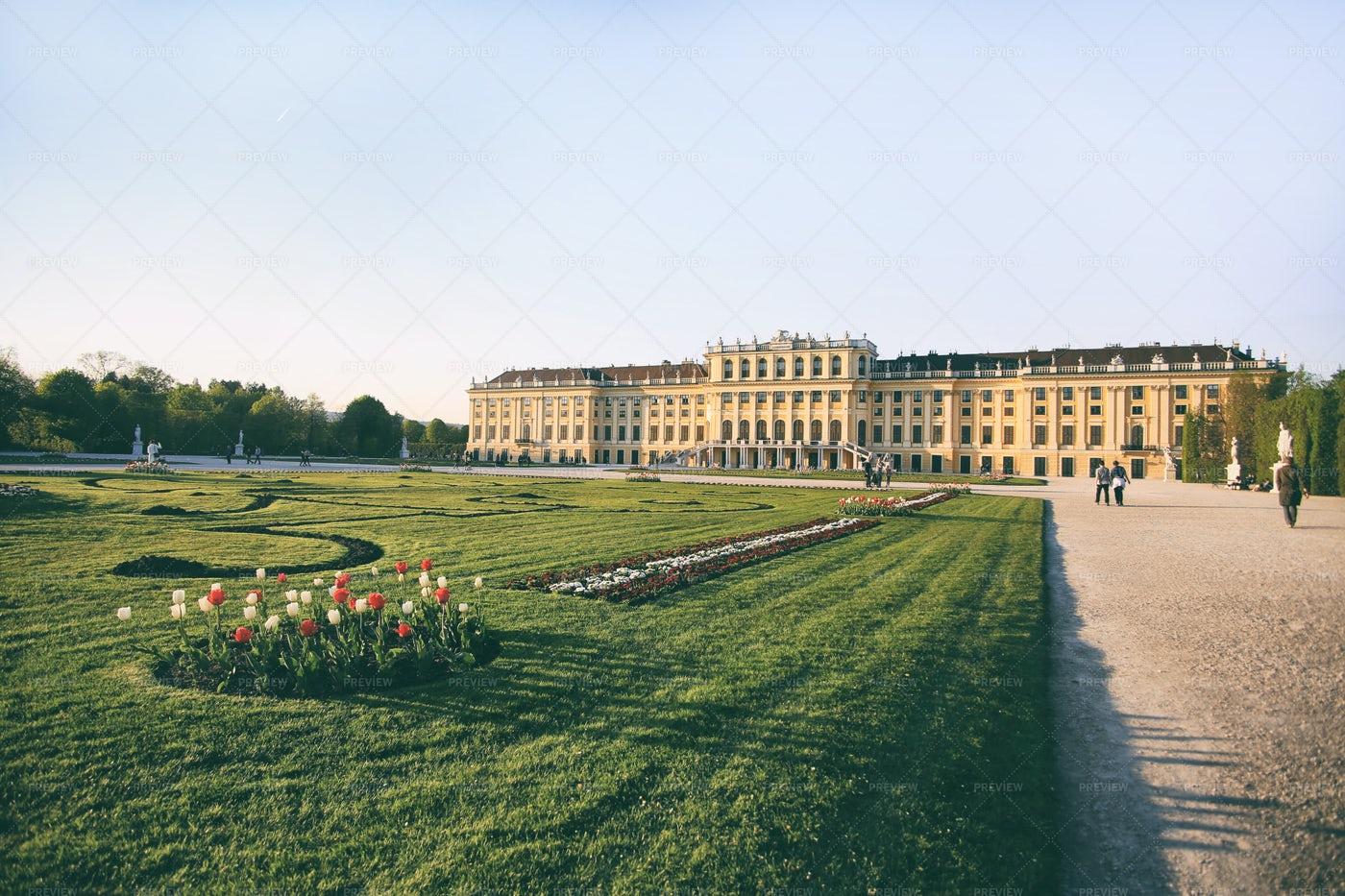 Schonbrunn Palace Gardens: Stock Photos