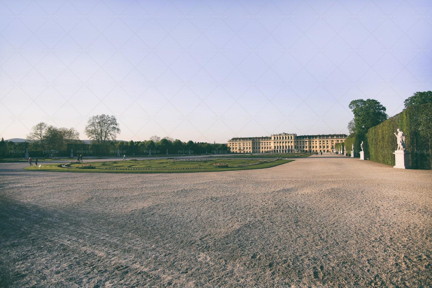 Schonbrunn Palace: Stock Photos