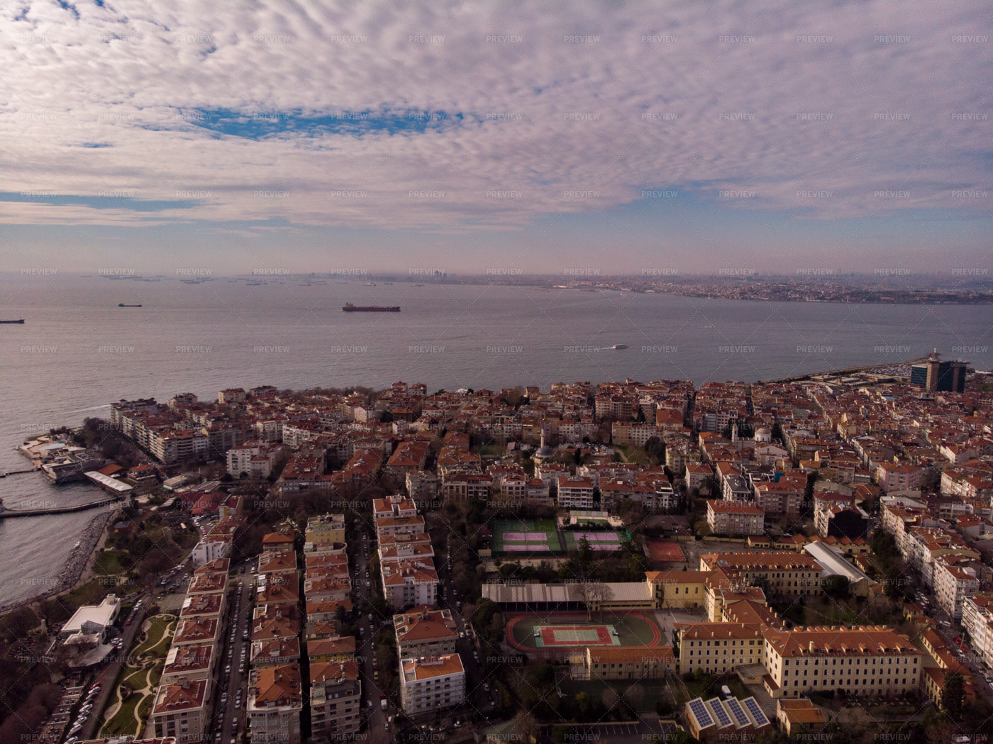 Istanbul Cityscape On The Water: Stock Photos