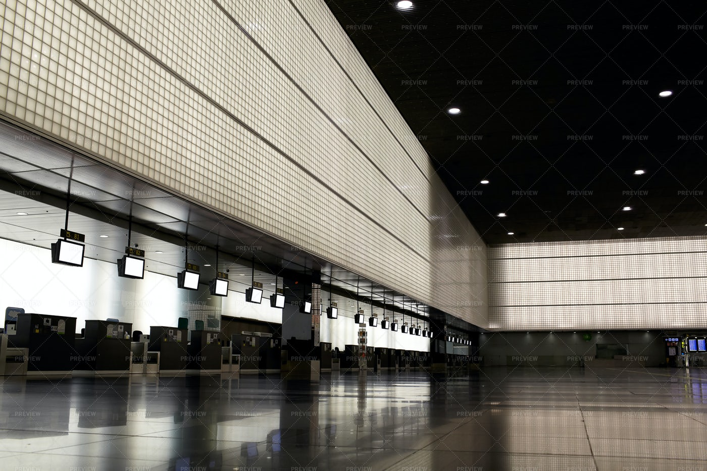Empty Airport Hall: Stock Photos
