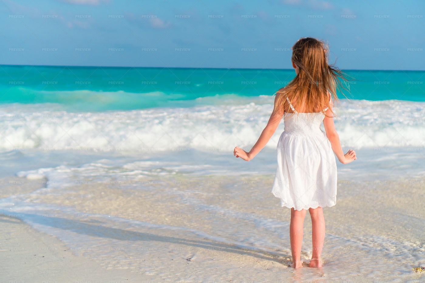 Girl Observing The Sea: Stock Photos