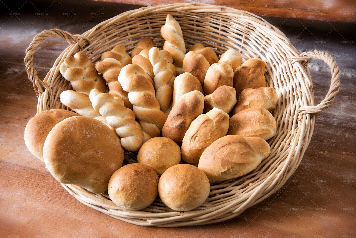Wicker Basket Fresh Bread: Stock Photos