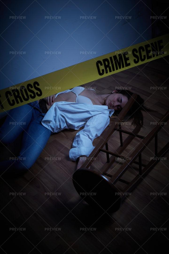 Dead Woman: Stock Photos