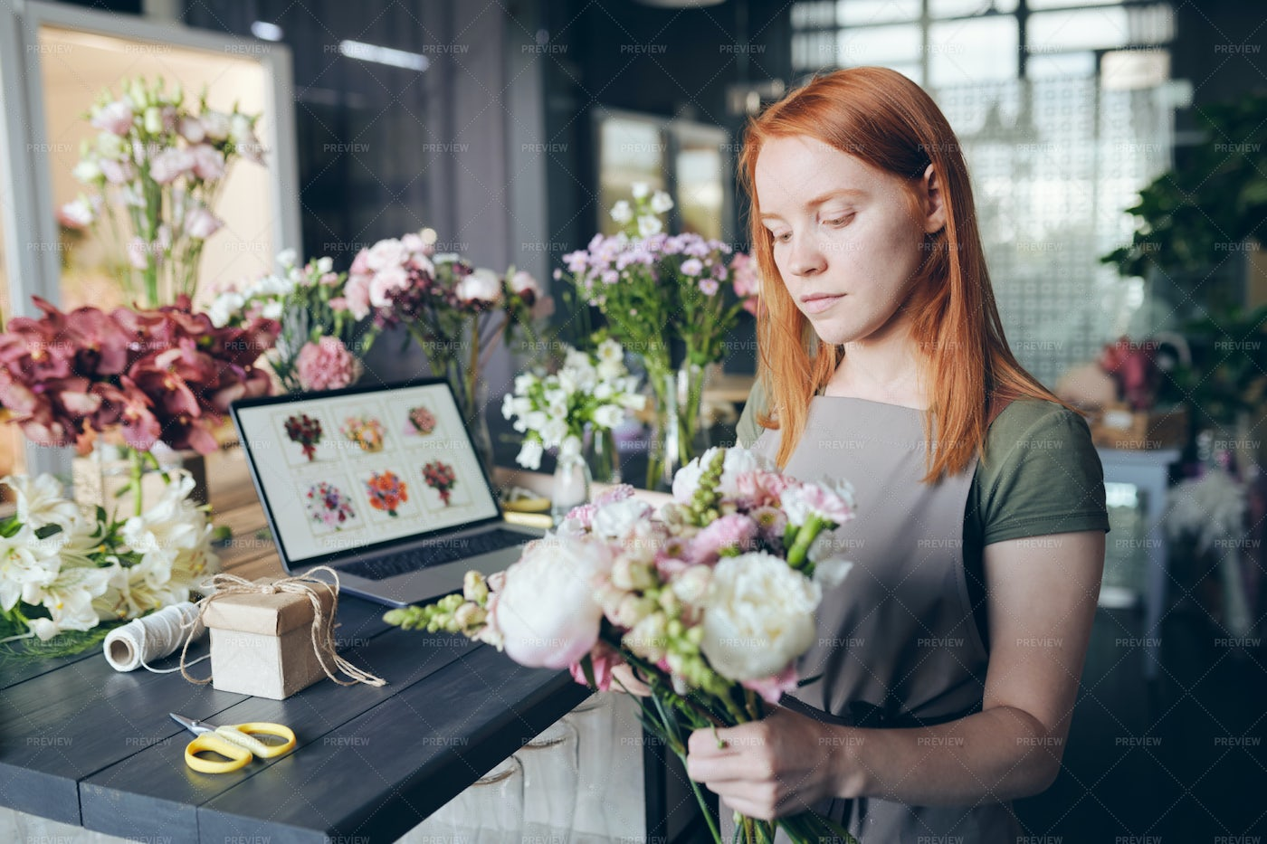 Mixing Flowers In Bouquet: Stock Photos