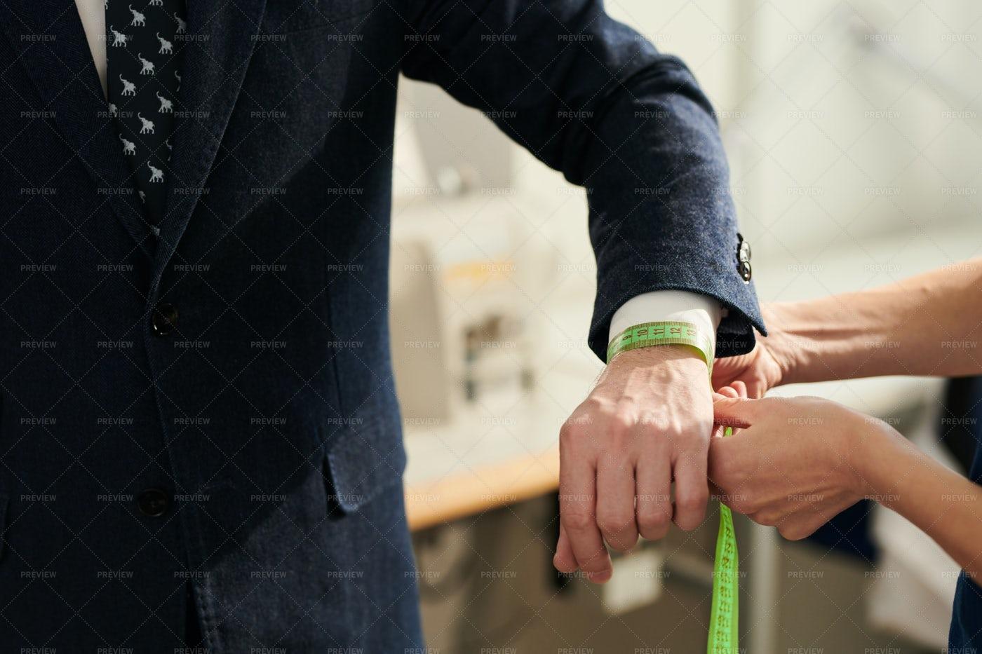 Measuring Wrist: Stock Photos