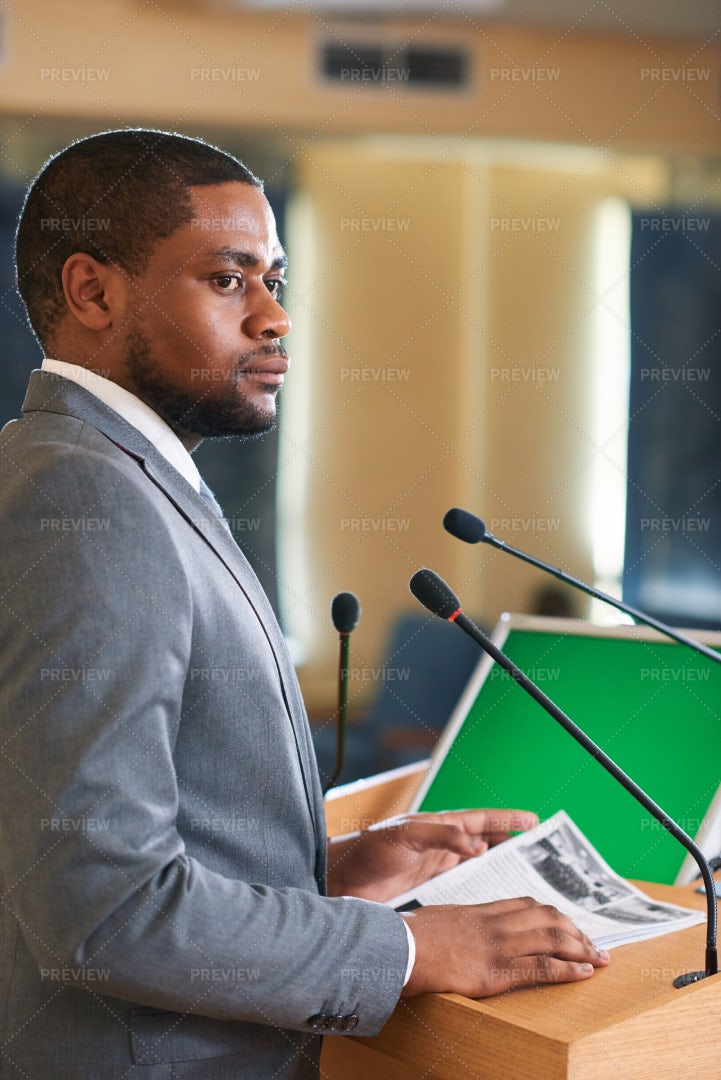 Speaker In Conference Hall: Stock Photos
