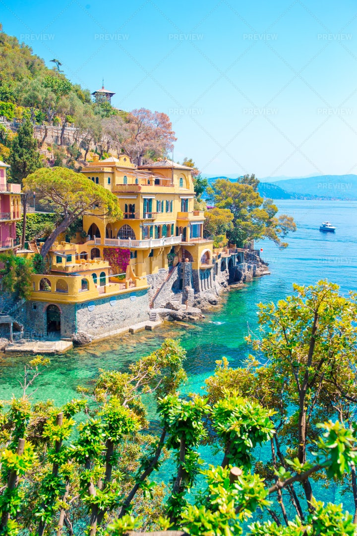 Colorful Houses: Stock Photos