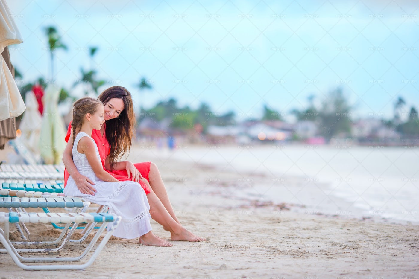 Little Girl And Mother: Stock Photos