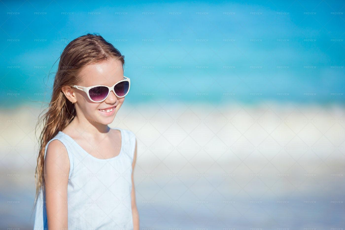 Girl Wearing Sunglasses: Stock Photos