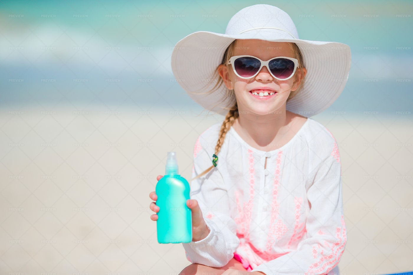 On The Beach In A Hat: Stock Photos