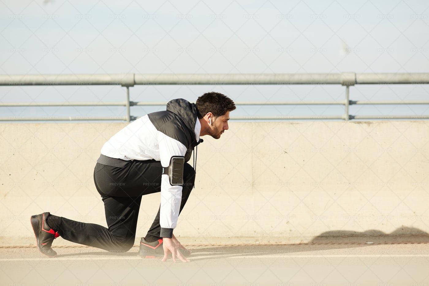 Runner By Start Line: Stock Photos