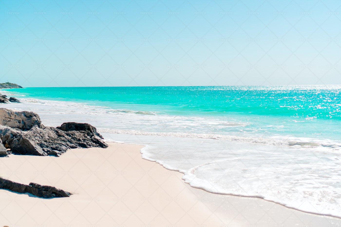 Perfect White Sandy Beach: Stock Photos