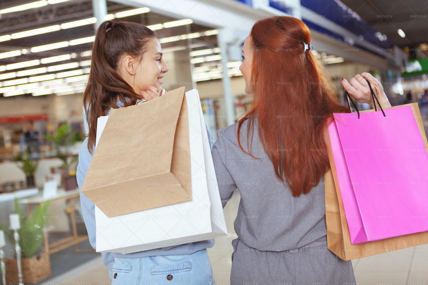 Female Friends Shopping: Stock Photos