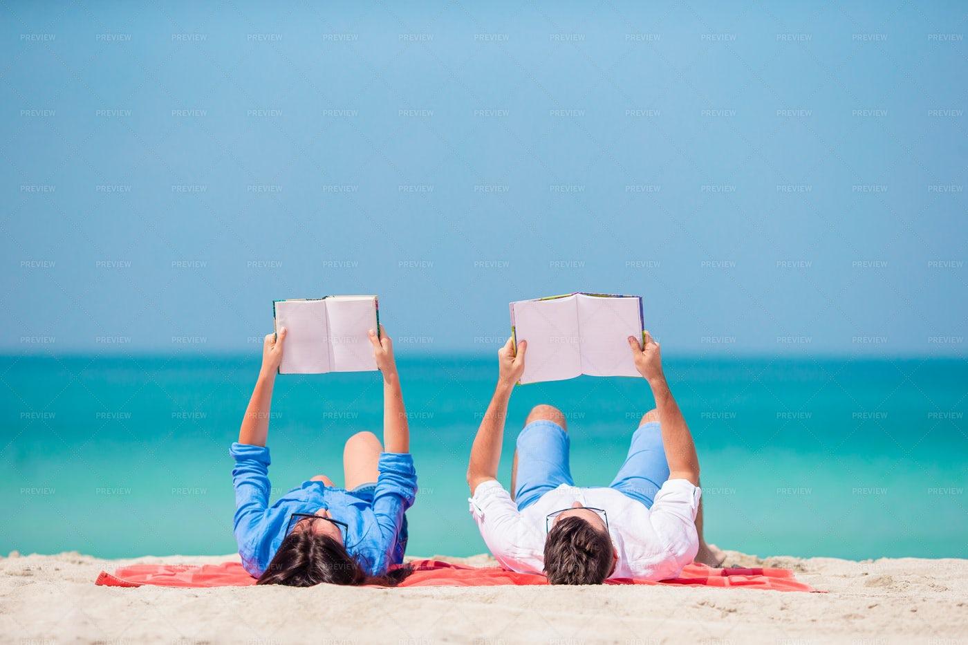 Couple Reading: Stock Photos