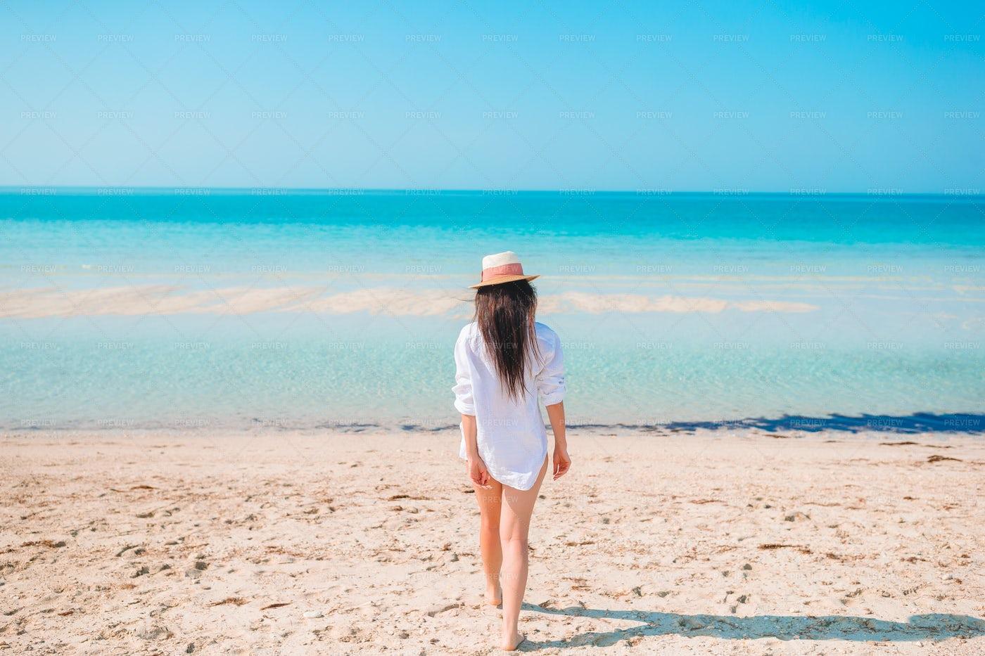 Walking To The Ocean: Stock Photos