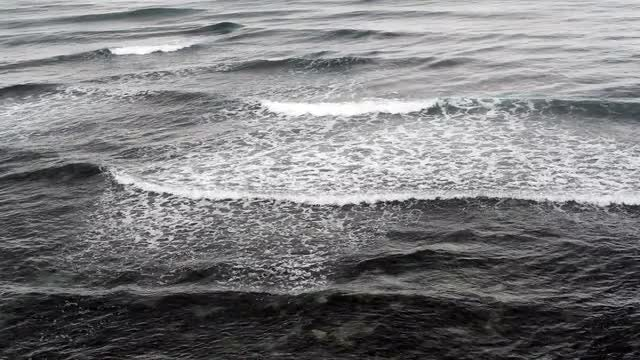 Ocean Waves: Stock Video