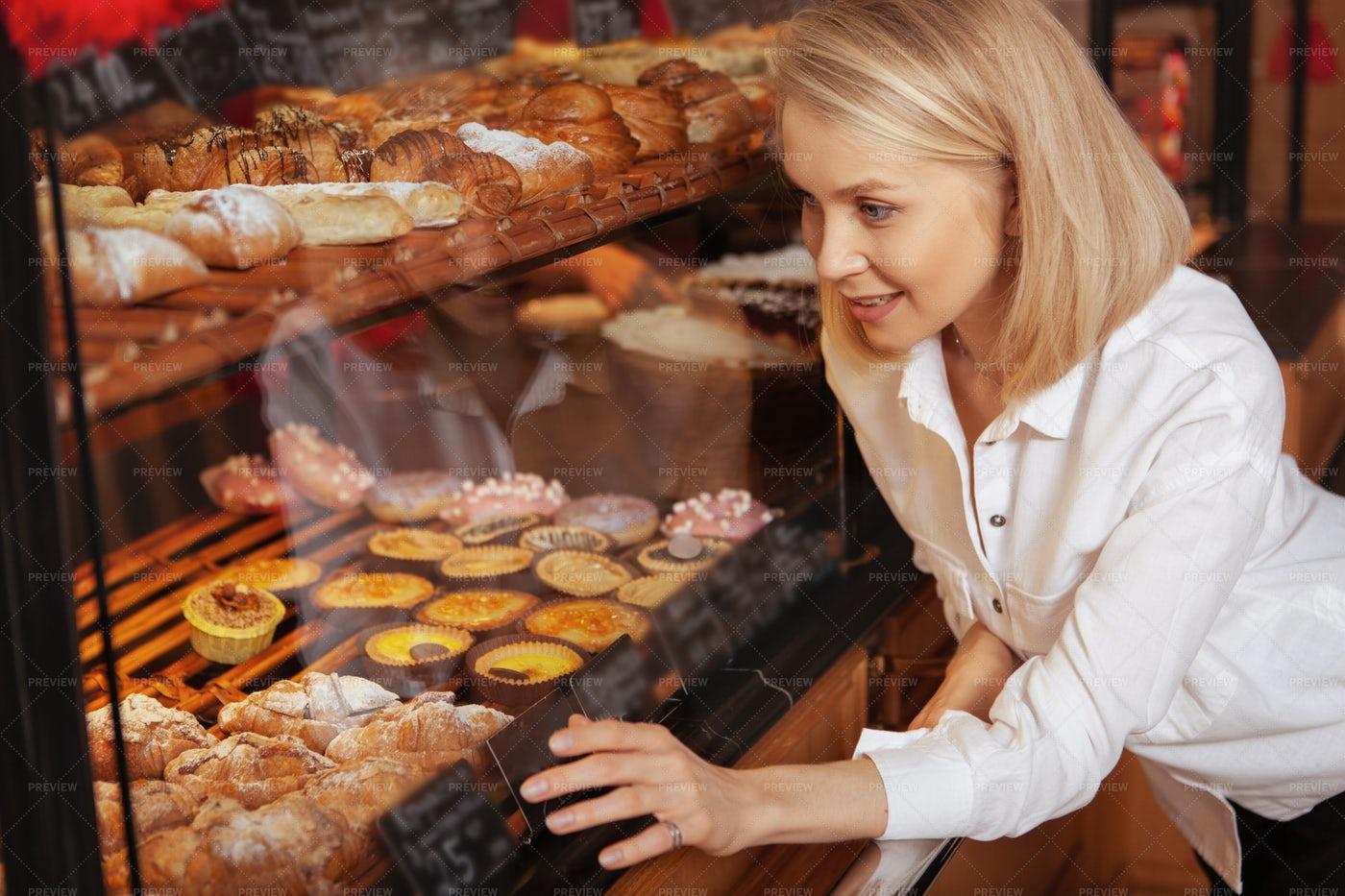 Shopping At The Bakery: Stock Photos