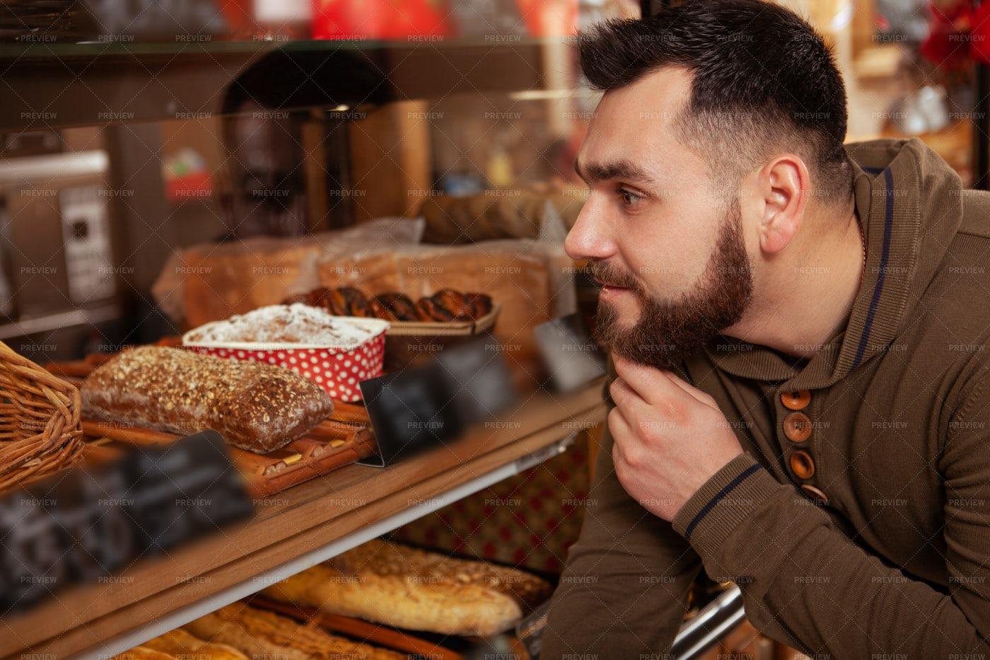 Making Bakery Selection: Stock Photos