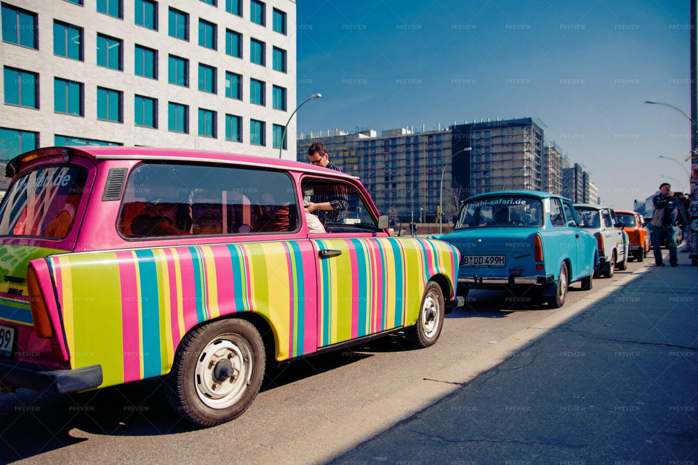 Cars Beside Berlin Wall: Stock Photos