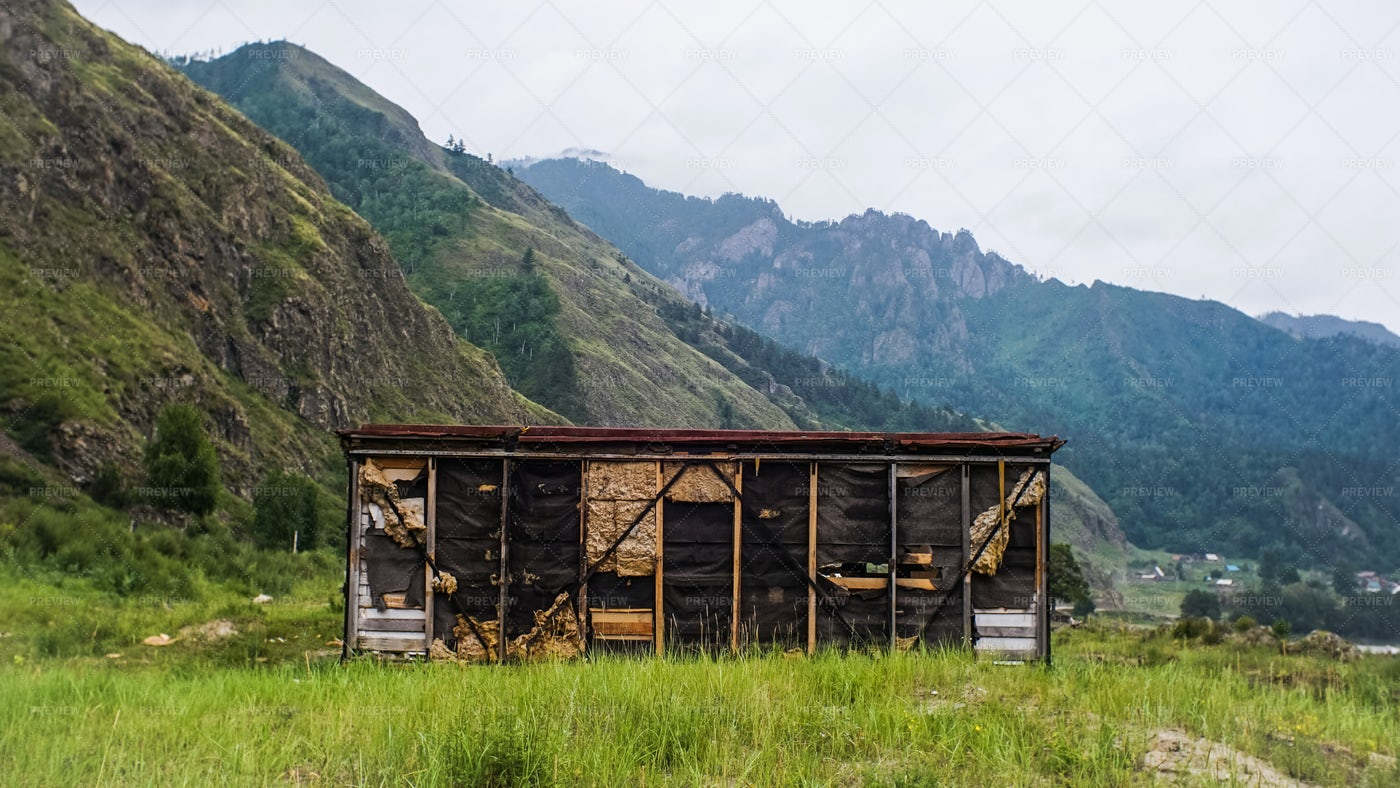 Old House In The Mountains: Stock Photos
