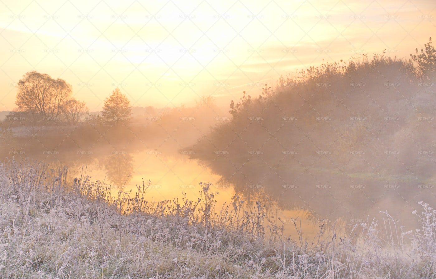 Frosty River Sun Rise: Stock Photos