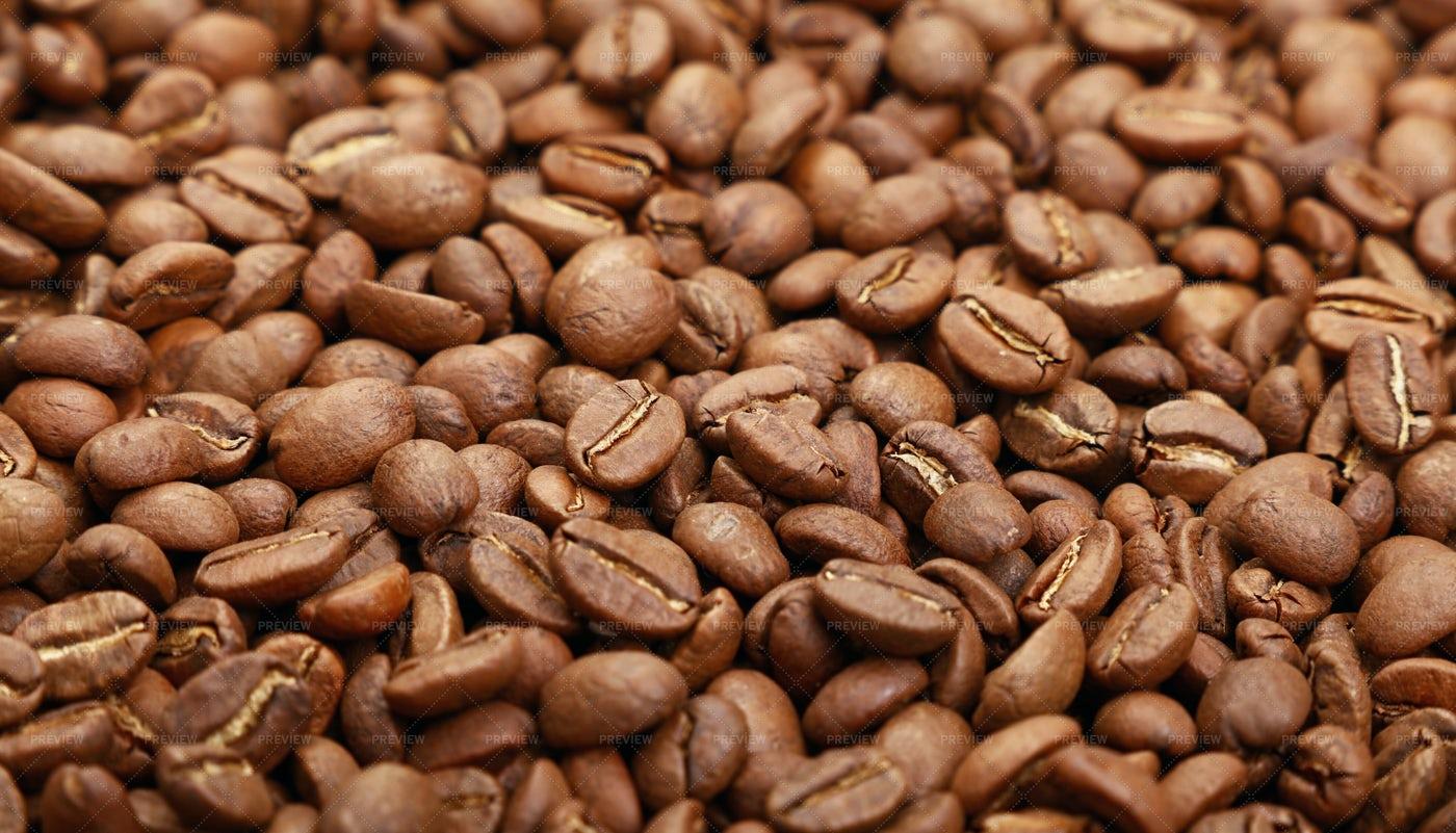 Roasted Arabica Coffee Beans: Stock Photos