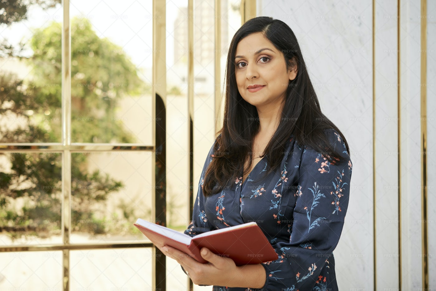 Businesswoman Planning Her Day: Stock Photos