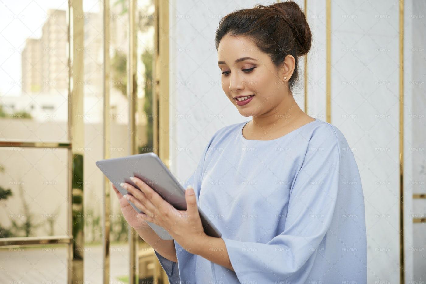 Businesswoman Using Digital Tablet: Stock Photos