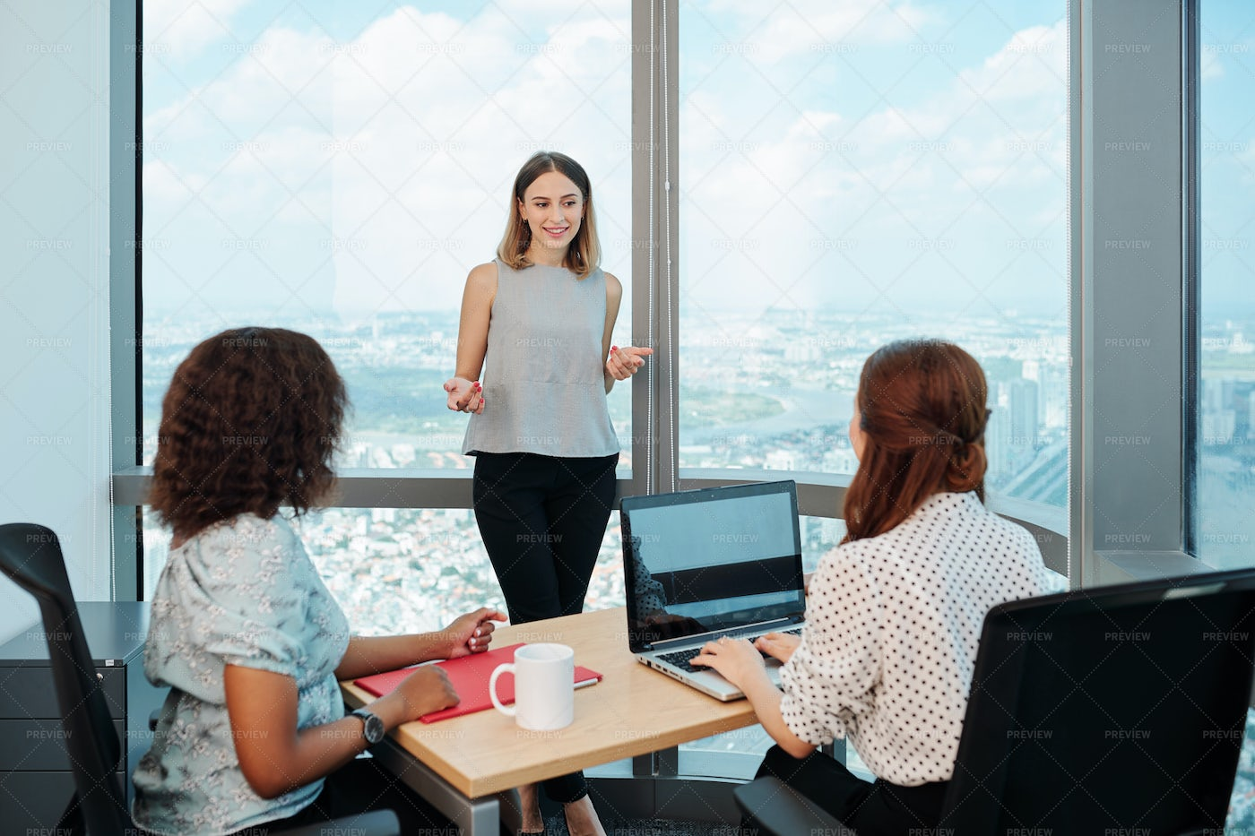 Business Lady Sharing Ideas With: Stock Photos