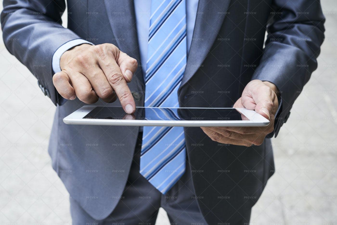 Businessman Using Tablet Pc: Stock Photos