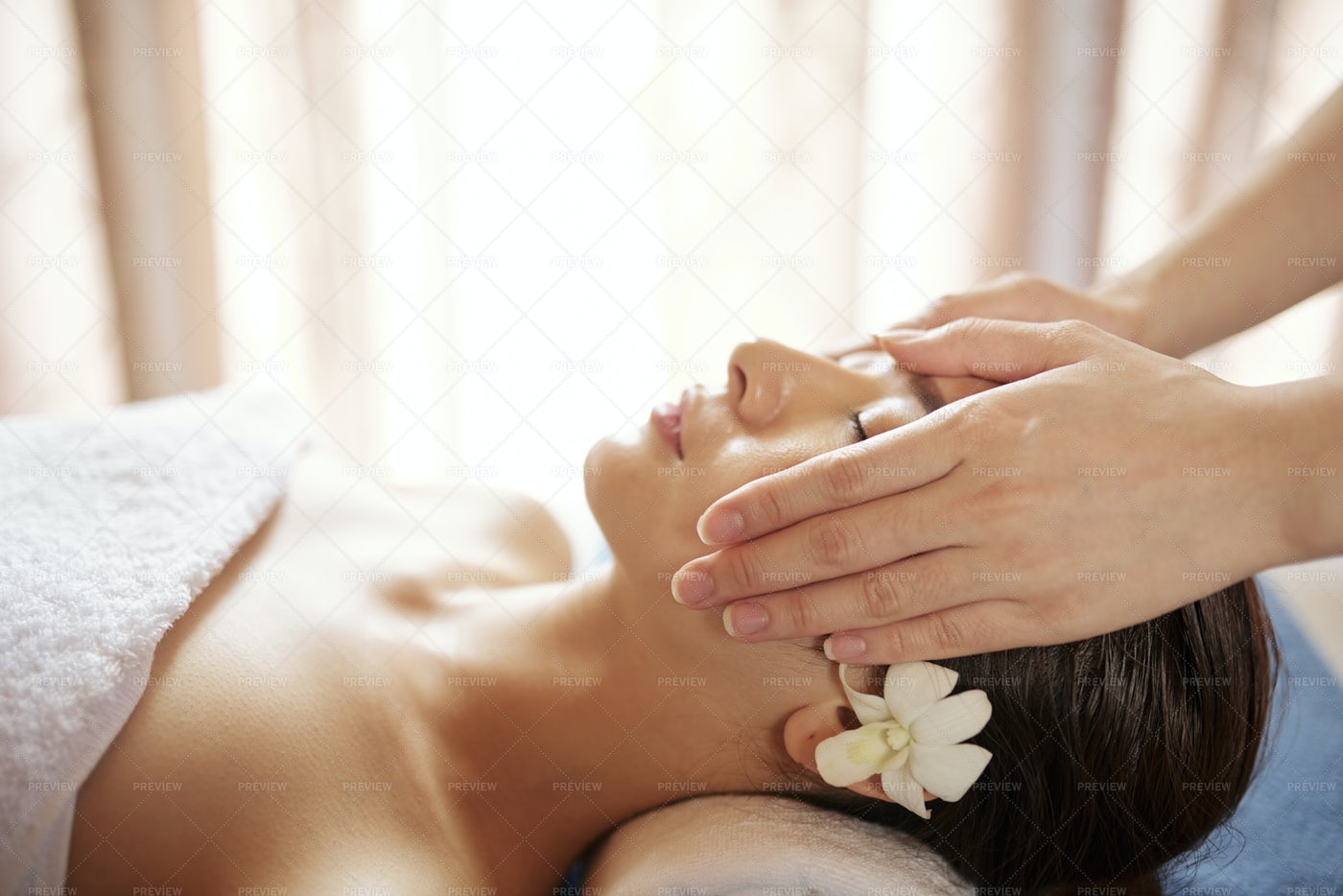 Rejuvenating Face Massage: Stock Photos