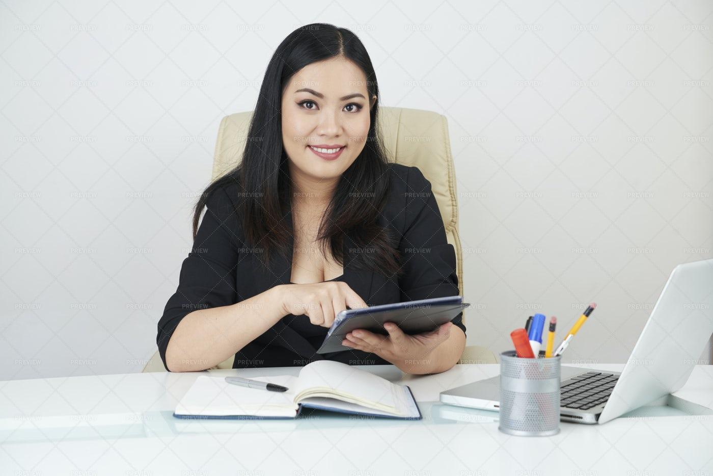 Businesswoman Working Online: Stock Photos