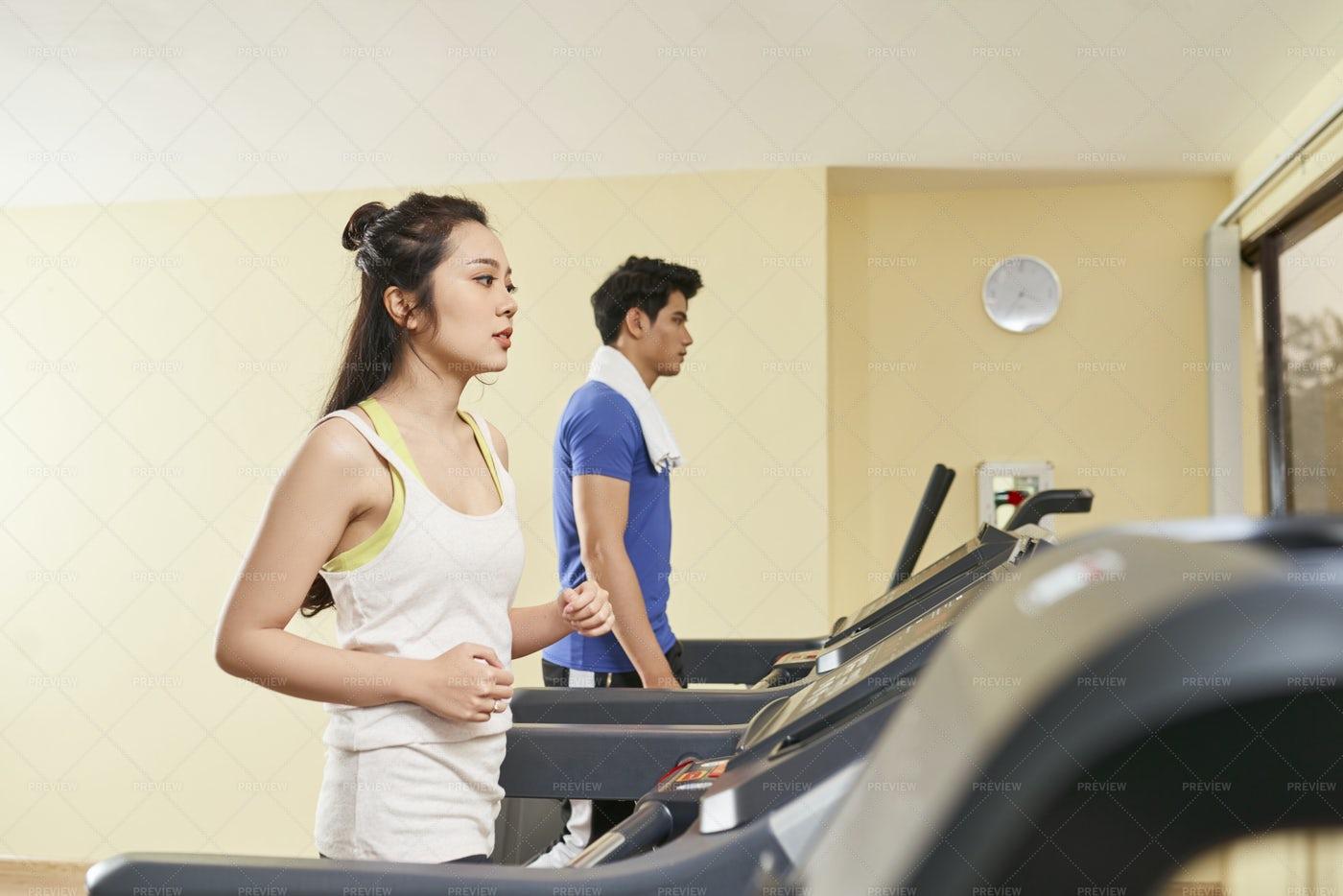 People Running On Treadmills: Stock Photos