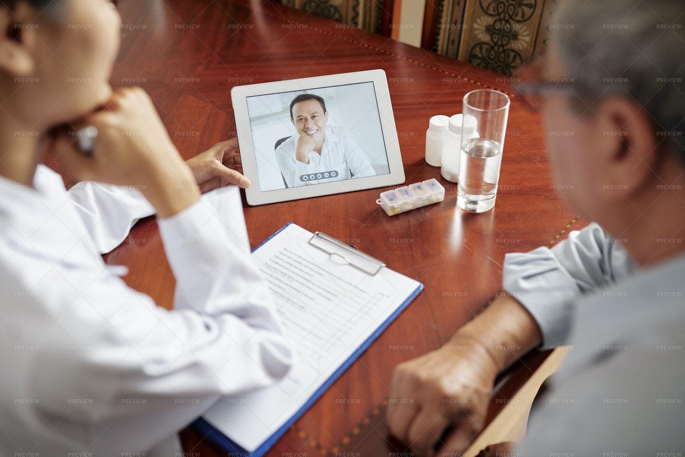 Nurse With Patient Have Online: Stock Photos