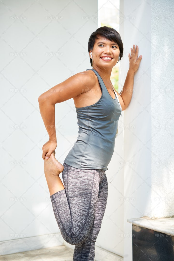 Female Athlete Working Out Outdoors: Stock Photos