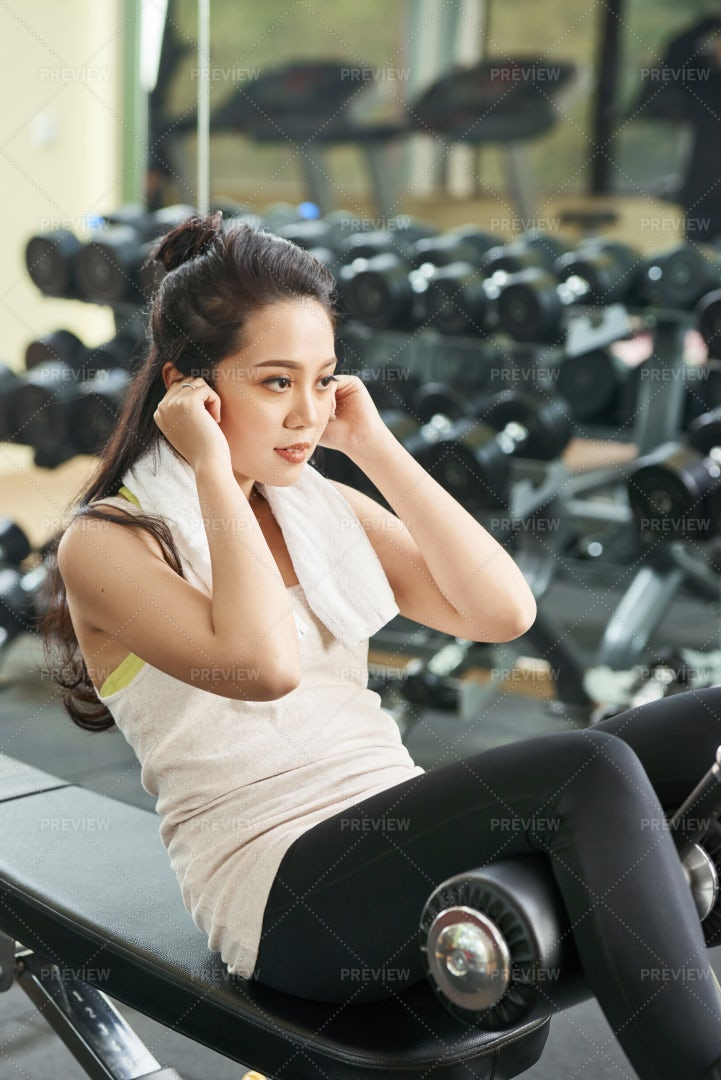 Woman Training In Gym: Stock Photos