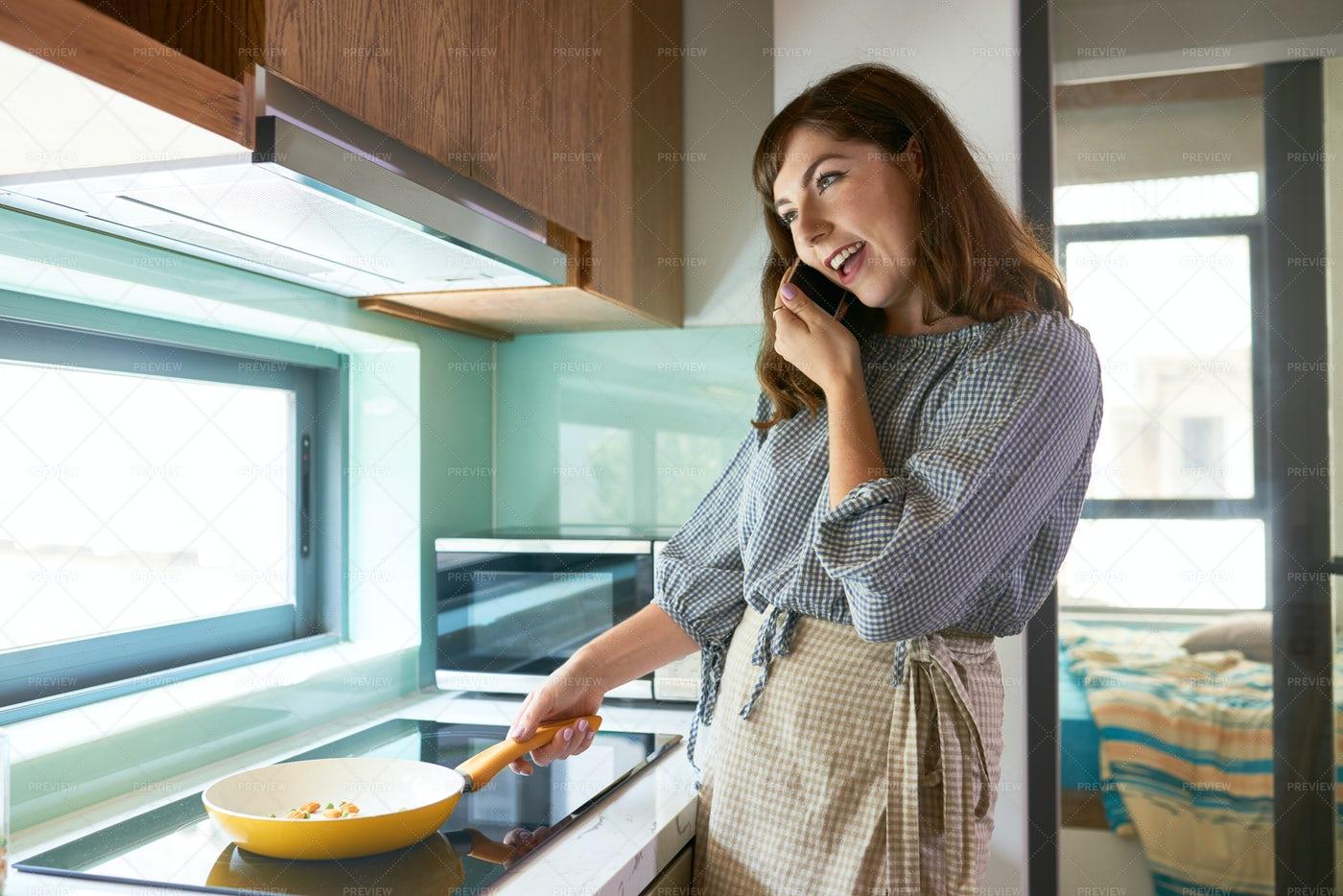 Cooking Woman: Stock Photos