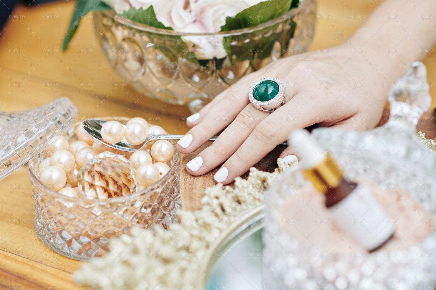 Beauty And Pearls: Stock Photos