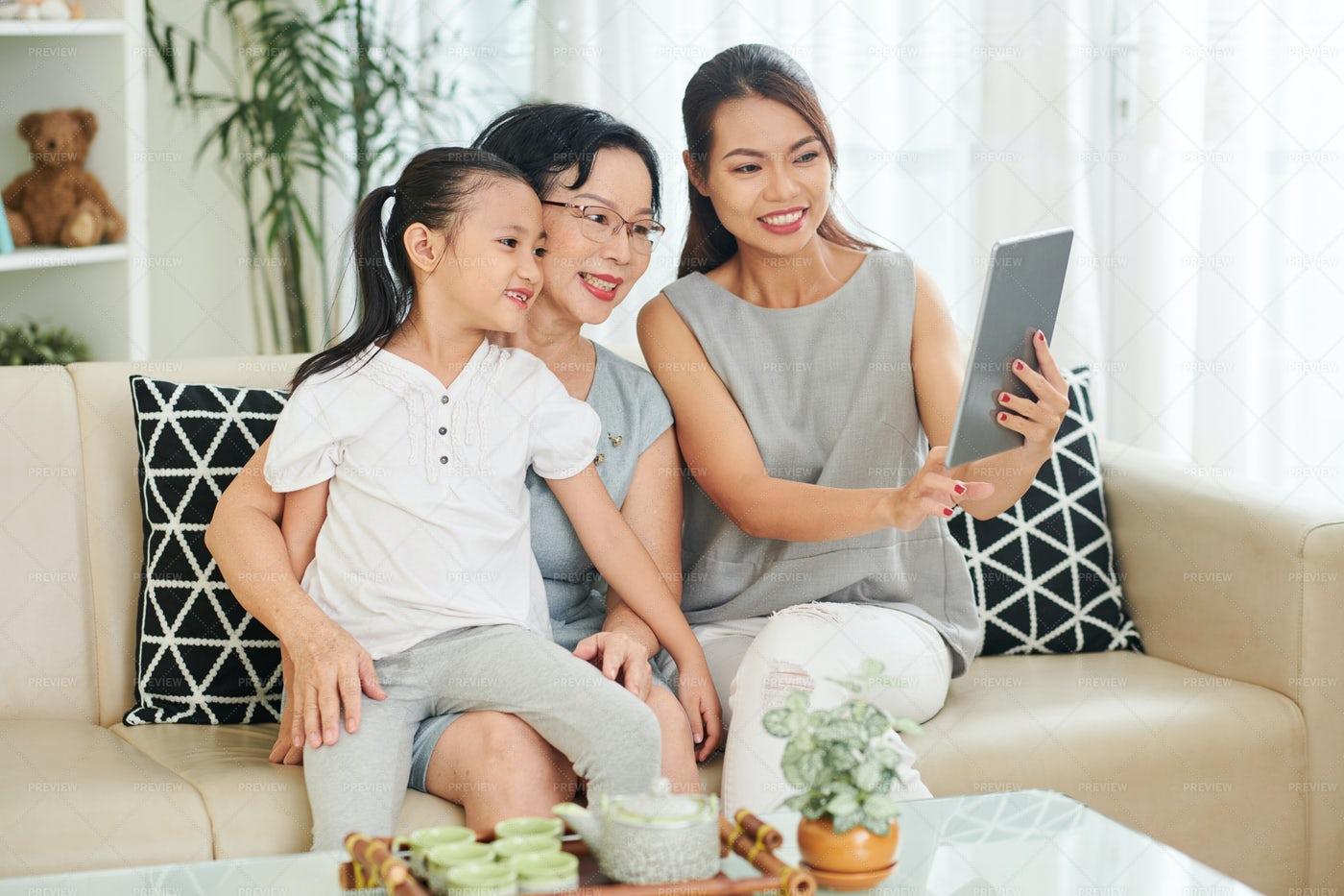Family Using Digital Tablet: Stock Photos