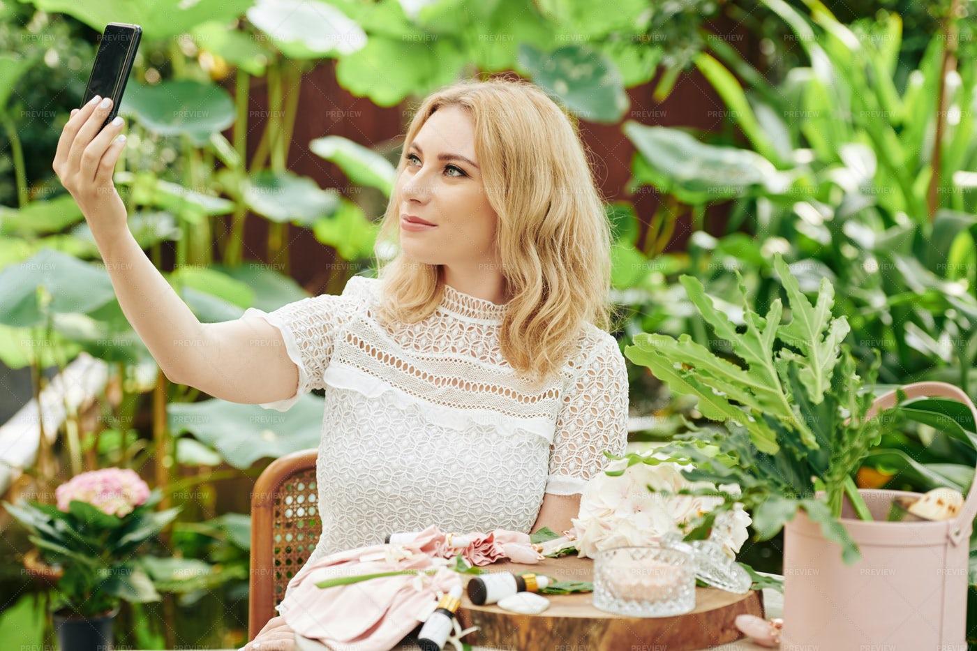 Beautiful Woman Taking Selfie: Stock Photos