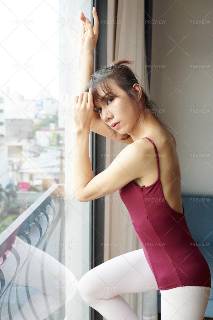 Dancer Exercising In Class: Stock Photos