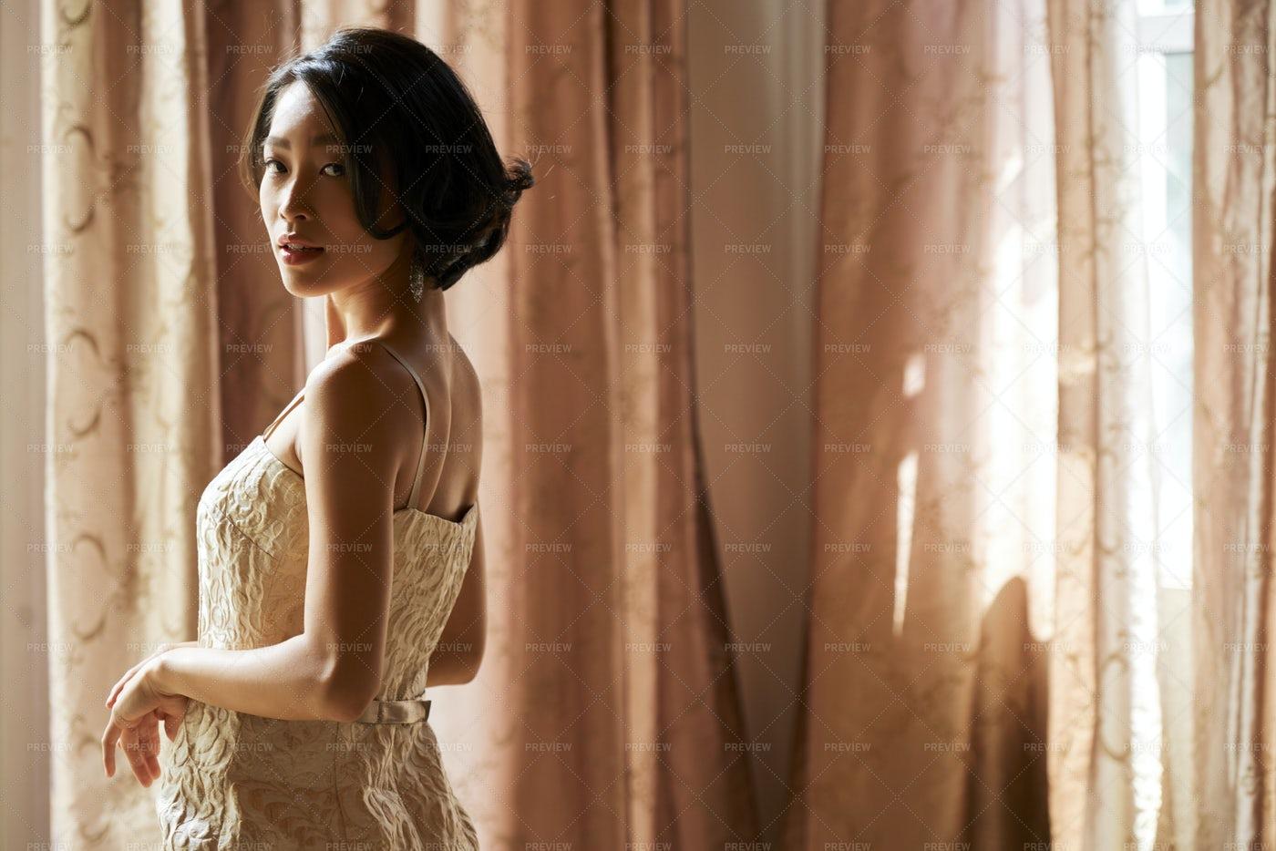 Gorgeous Young Woman: Stock Photos