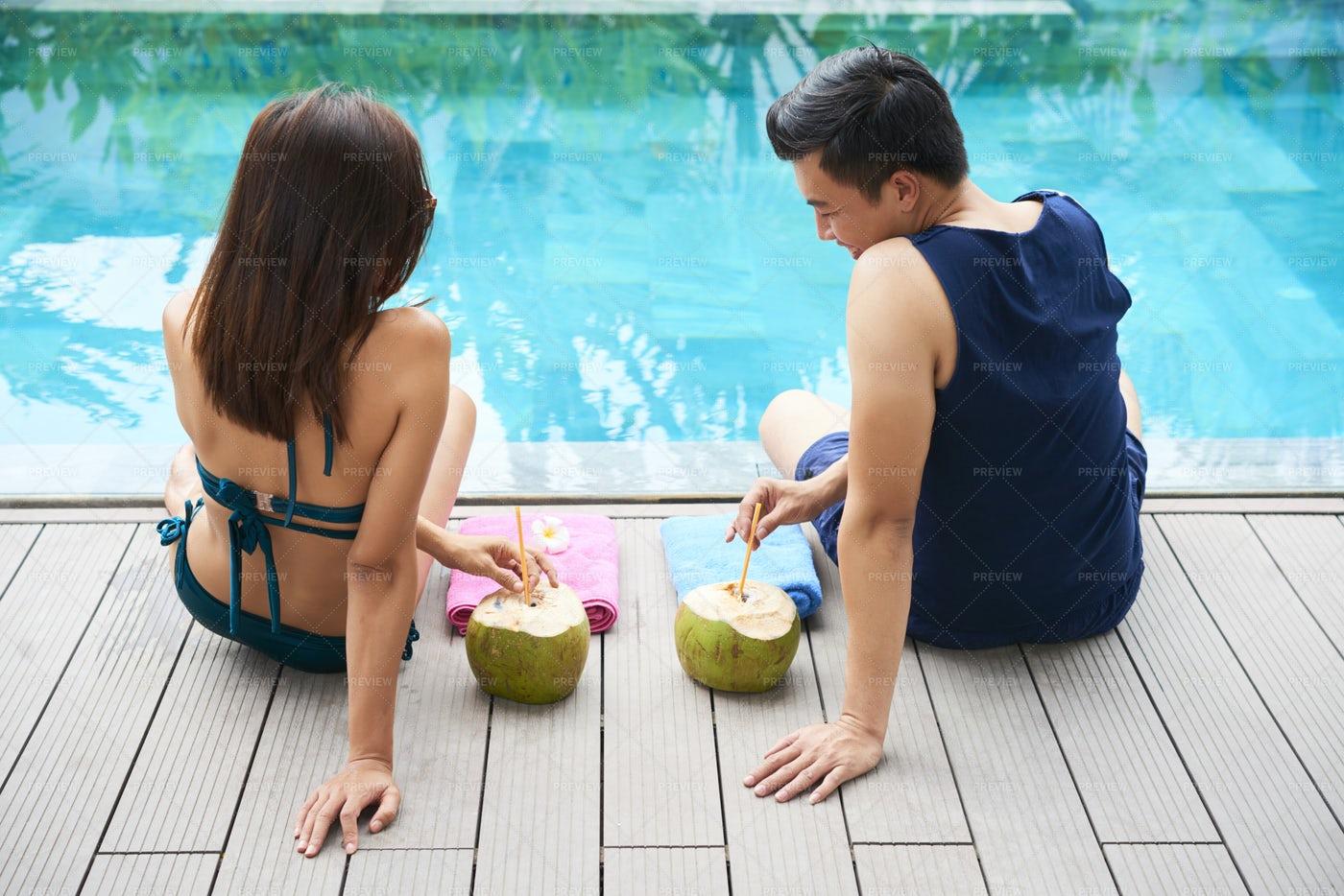 Couple Enjoying Their Vacation: Stock Photos