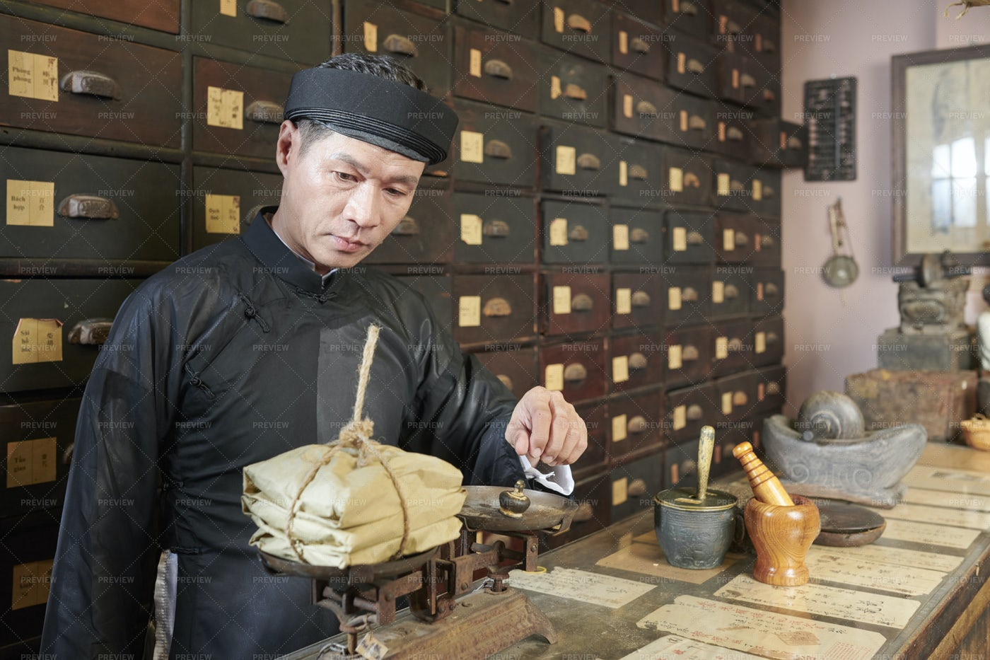 Apothecary Worker Weighting Treatment: Stock Photos