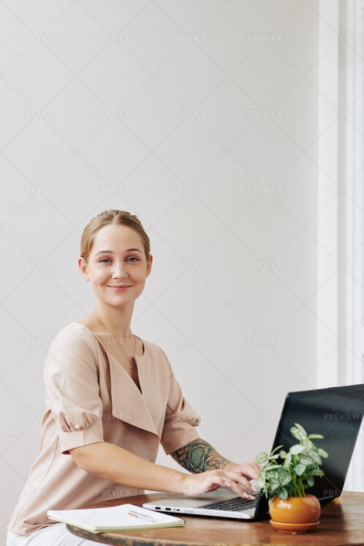 Young Woman Working On Laptop: Stock Photos