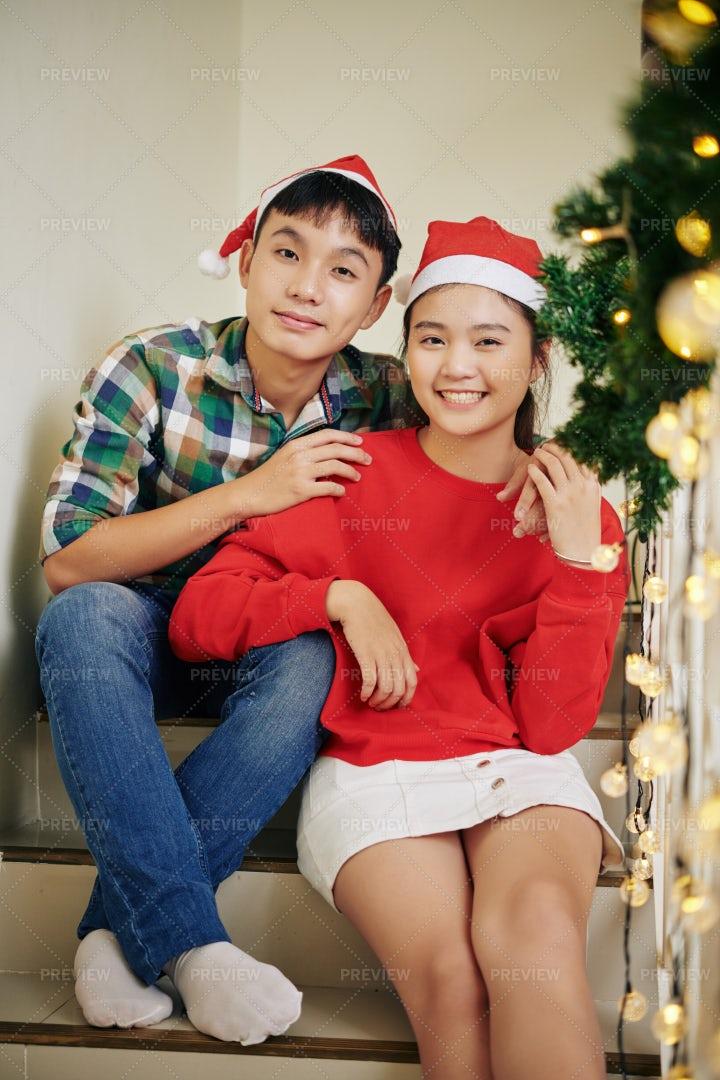 Sinlings On Christmas Eve: Stock Photos