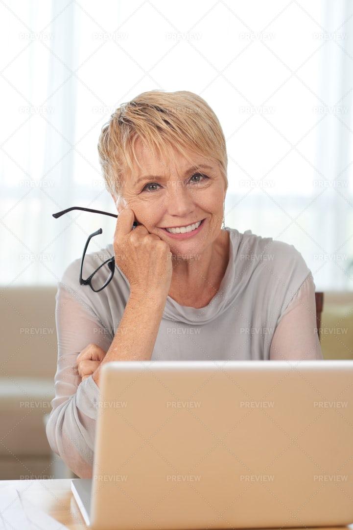 Senior Woman Using Laptop: Stock Photos