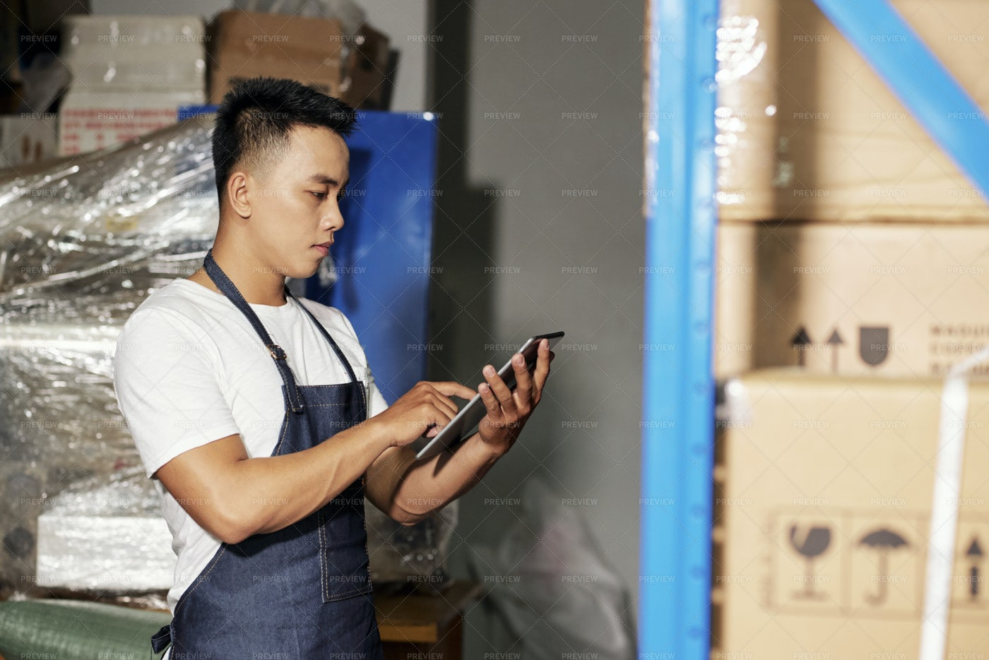 Man Making Delivery: Stock Photos