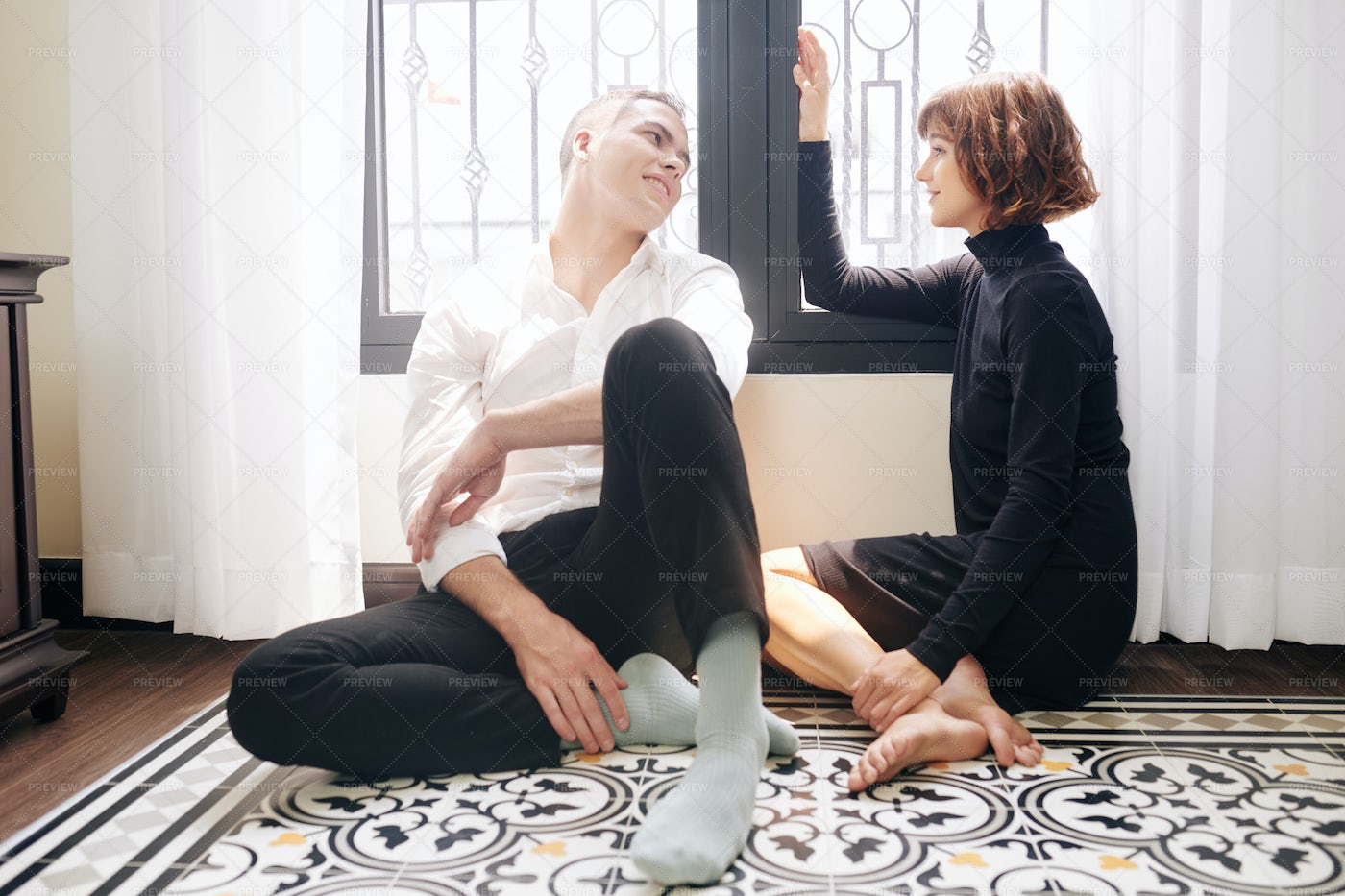 Couple Discussing Weekend Plans: Stock Photos